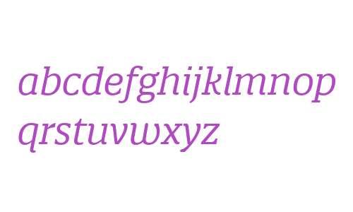 Quatro Slab W03 Italic